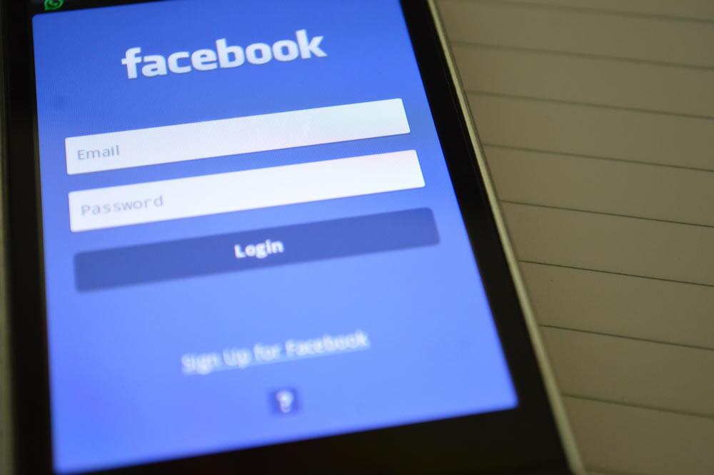 jovens deixam o facebook